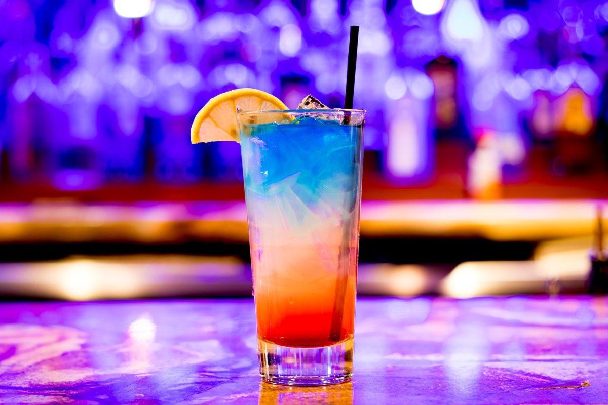Coctel de varios colores